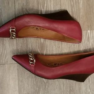 Sofft Shoes - Sofft genuine red leather wear size 8.5